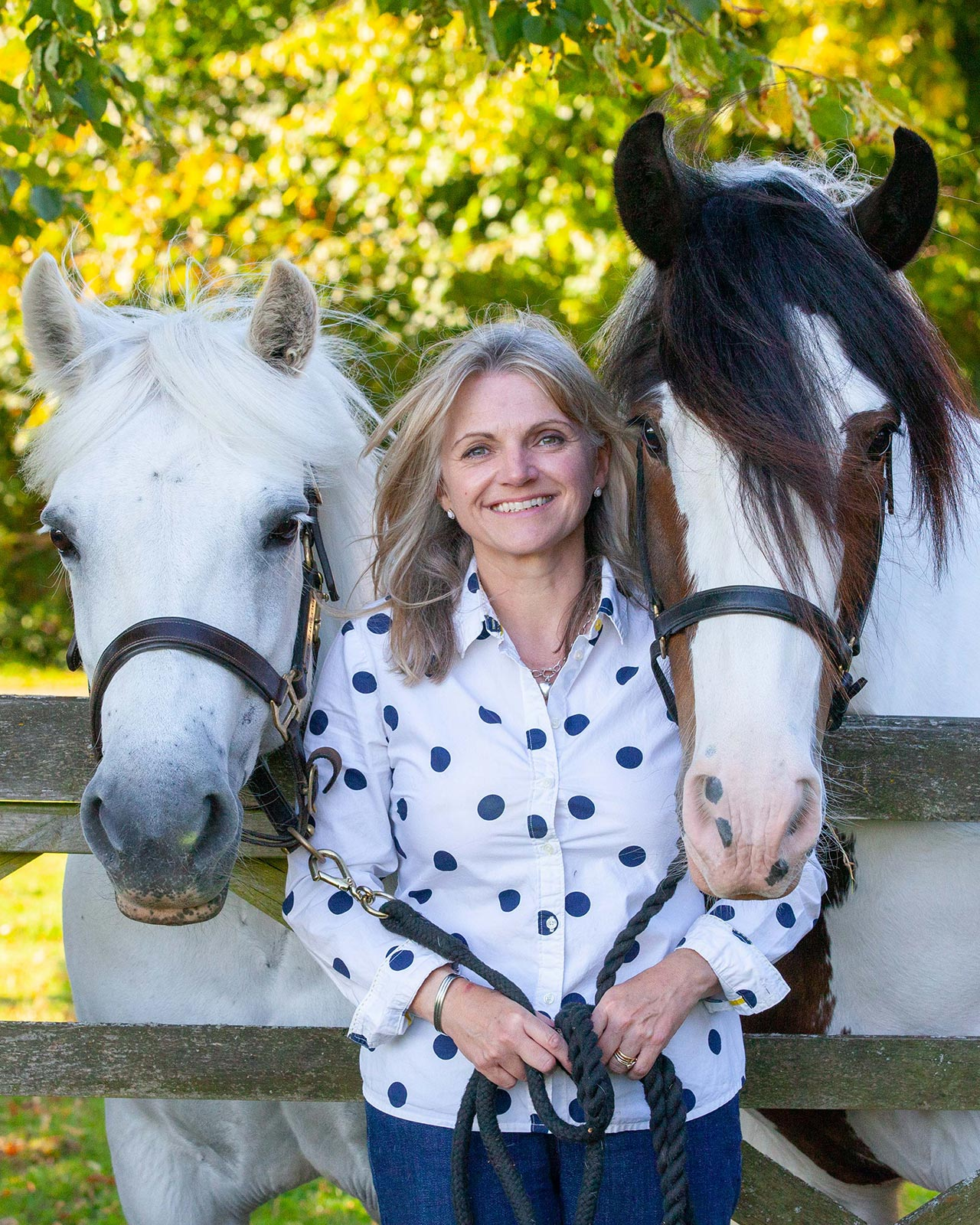 Photo shoot: woman with her horses